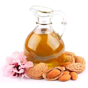 L-olio-di-mandorle-per-curare-la-pelle_diaporama_550